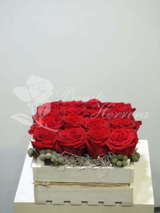 Caja de rosas rojas 3