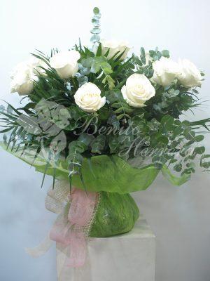 Rosas con envoltorio especial 4